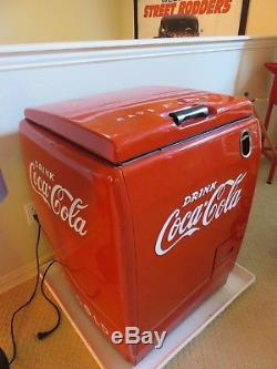 1940 Westinghouse WD-5 Coca Cola Cooler Coke Machine. WORKS