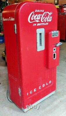 1950 Vendo 39 5-cent Coke Machine