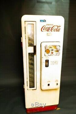 1950's Coca Cola Vending Machine Cavalier CS-96A