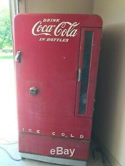 1950's Coca Cola Vendo 110 Cooler Machine