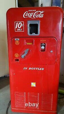 1950's Coke Vending Machine UNRESTORED ORIGINAL Vendorlator VMC 33 Operational