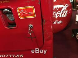 1950's Coke Vending Machine UNRESTORED ORIGINAL Vendorlator VMC 33 Watch Video