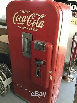 1950s Coca Cola Coke soda Machine Vendo 39 Original
