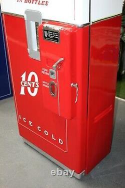 1950s Restored Coca-Cola 10c Vending Machine Vendo 39