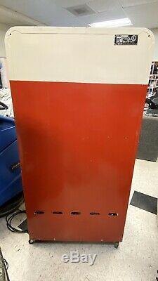 1953 Coca Cola Vendo H110 10 Cent Soda Vending Machine