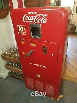 1955 VMC-33 Coca Cola Vending Machine All original fully functional