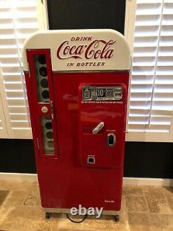 1958 vendo coke machine