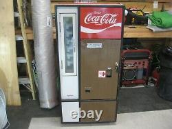 1960s COKE COCA COLA MACHINE vendo HA56B. Functional With Keys