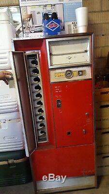 2 vintage cavalier Coke machine
