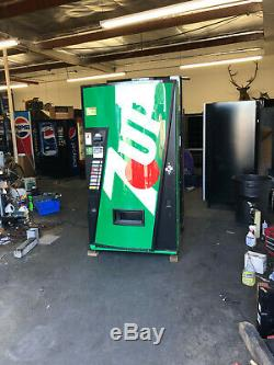 7 UP Vendo 407-8 Soda Vending Machine WithCoin & Bill Acceptor Made In USA