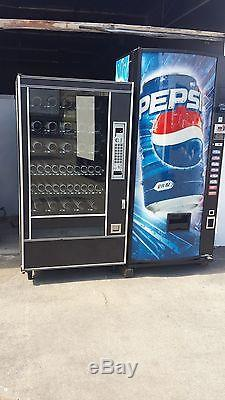 A P 7600 Snack Vending Machine & Dixie Narco Soda Vending Machine 8 Selection