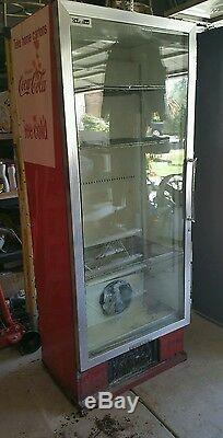Antique coca cola machine