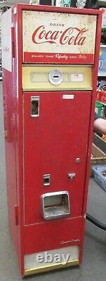 Antique/vintage CAVALIER C-55 Coke machine 1960/1961 10cents MOTOR RUNS