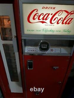 Coca-Cola Cavalier CS-64 Machine. Working
