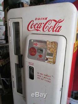 Coca Cola Coke Machine Cavalier 72 VENDO & COIN MECHANISM (60 years family)