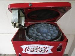 Coca Cola Coke Vendo 23 Machine