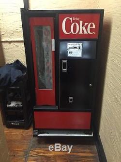 Coca Cola Machine Model USS-8-64