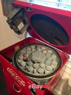 Coca Cola Machine Vendo 23, 1950's Spin Top