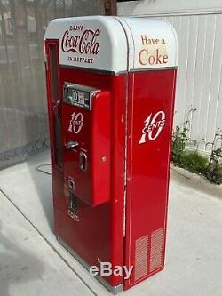 Coca Cola Machine vendo 81