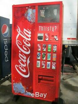 Coca-Cola Royal 660 Bottles & Cans Soda Vending Machine