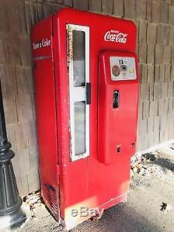 Coca Cola Soda Machine Cavalier Model Cs 72a