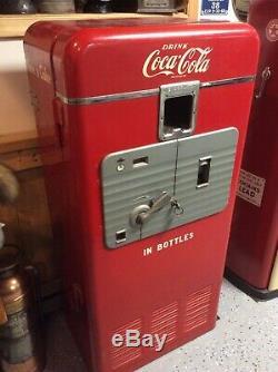 Coca Cola Vending Machine Coke Vendolator 27A COKE Vendo