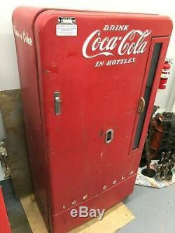Coca Cola Vintage vendo 110C or 6 case vertical 4/50 Vintage Coca-Cola Machine
