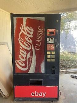 Coca cola coke vending machine