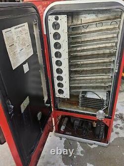 Coke Coca Cola Soda Machine Vendo 81D pepsi 7up 44 56
