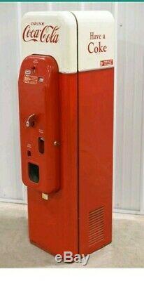 Coke Machine 1956 VMC-44
