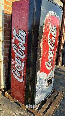 Coke Vending Machine Model 44000/252-7