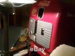 Coke cola vendolator model 27