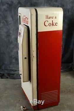 Coke machine Cavalier cs 72 A. Original condition
