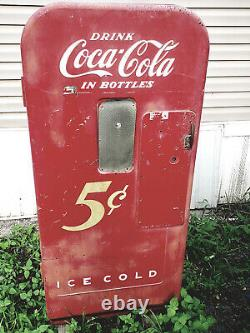 Coke machine non-working original great to restore or make into something else