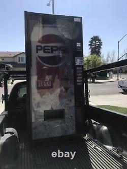 Dixie Narco 360-6 Bubble Front Soda Vending Machine Pepsi/Coke WithBill Acceptor