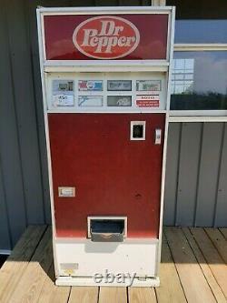 Dr Pepper Soda Pop Machine
