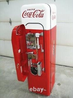 Freshly Restored Coke Machine, Vendo 44, Working, Soda, Sign