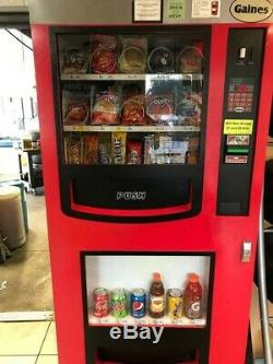 GREAT COMBO SODA / SNACK VENDING MACHINE BY Gaines
