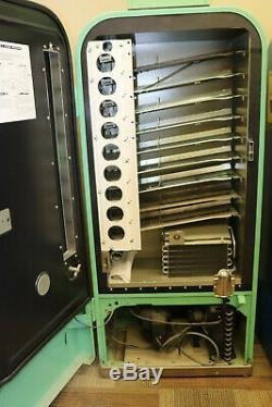 Hard To Find Restored VMC 81 (Vendolator) Dr. Pepper Historic Vending Company