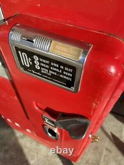 ICE COLD! All Original Vintage 1950s Vendo 39 Coca-Cola, Coke Machine Working