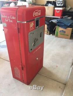 L@@K Original 1950s Coke Machine