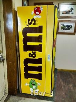 M&M Refrigerated Vending Chilled Candy Snack Soda BIG CAPACITY Vendo 669 VINTAGE