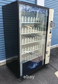 NICE BEVMAX 4 DIXIE NARCO 5800-4 SODA DRINK VENDING MACHINE WithAUTOMATIC ARM
