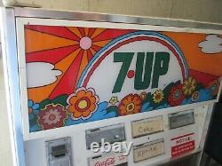 RARE 7 UP SODA VENDING MACHINE WITH PETER MAX Style. PSYCHEDELIC