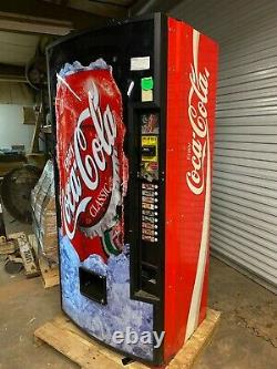 Royal Vendors RVCCE 462-9 Soda Can Drink 9 Selection Vending Machine 115 Volt