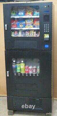 Seaga Canned/Bottled Soda and Snack Combination Vending Machine
