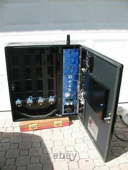 Seaga Frigi Deck Cashless Cooler Wall Mount Cashless Drink Soda Vending Machine