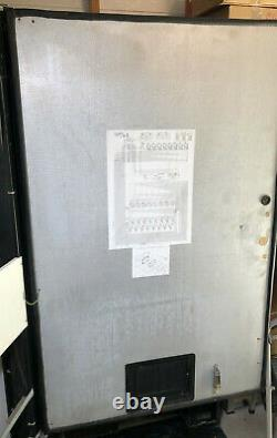 Soda Vending Machine Pepsi Dixie Narco Model DNCB 368 MC/216-8 Vending Machine