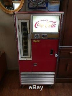 VENDO COCA COLA MACHINE Vintage Works! 1960's H63A withKey GREAT NOSTALGIA