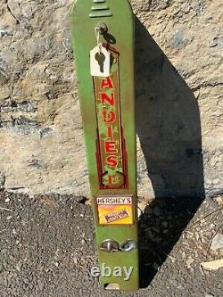 VINTAGE 40'sCandies HERSHEY VENDING MACHINE WALL MOUNT WithKEYS 1 cent machine